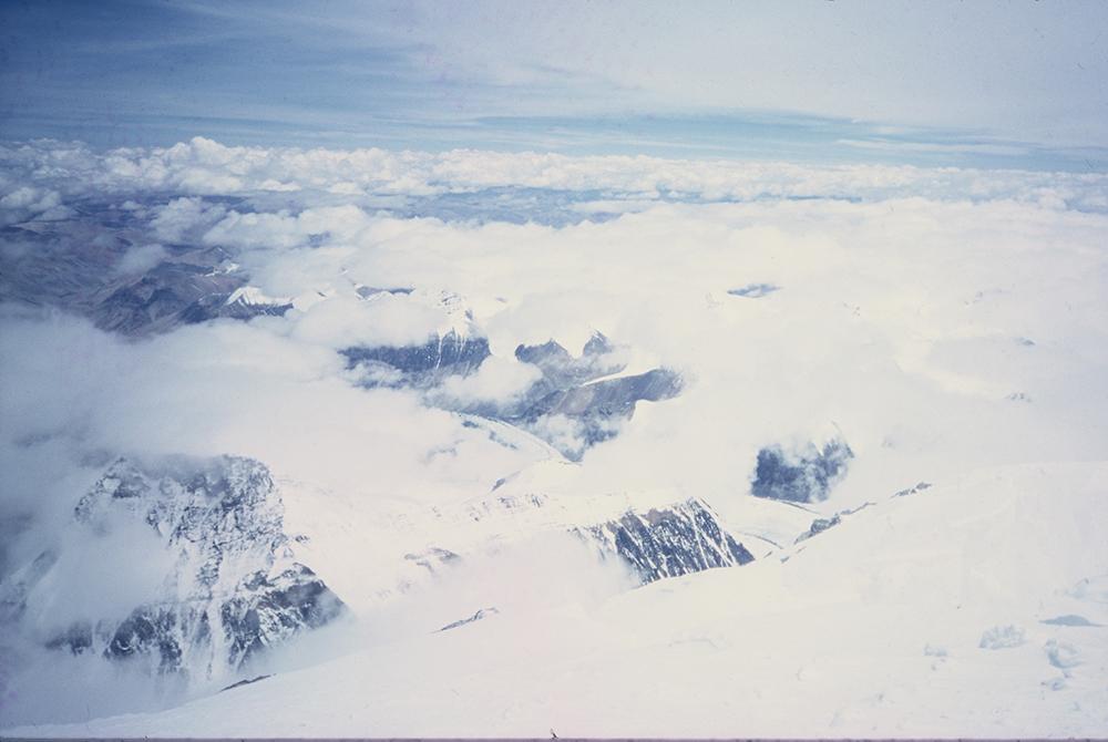 Pogled sa Mont Everesta ka Tibetu. Ekspedicija Himalaji 2000. godine