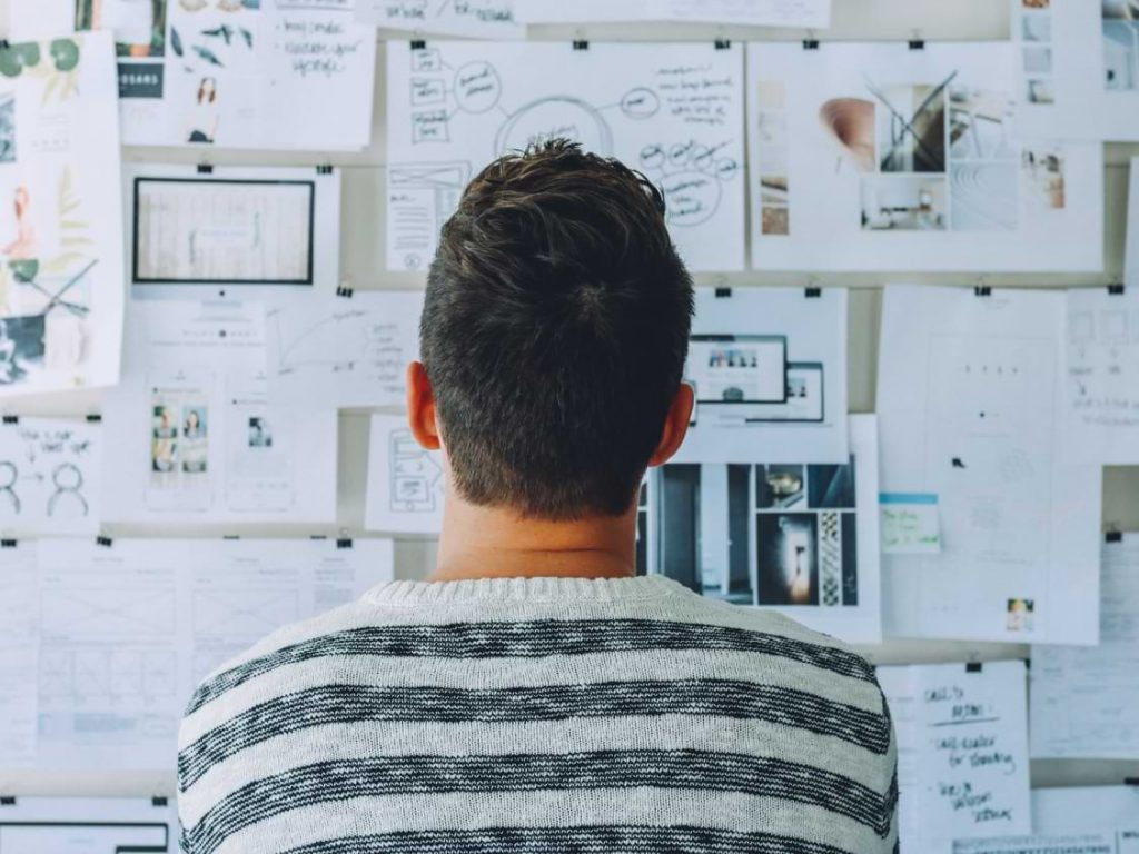 Podsticanje kritičkog razmišljanja na radnom mestu