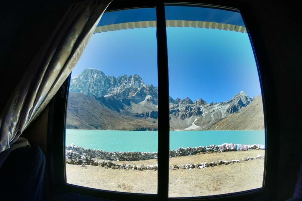 Everest trek pogled iz Lodge-a