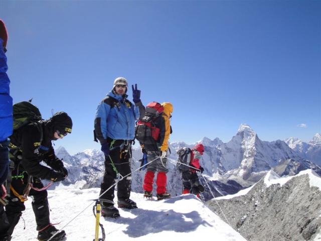 Slikanje sa vrha Island Peak-a